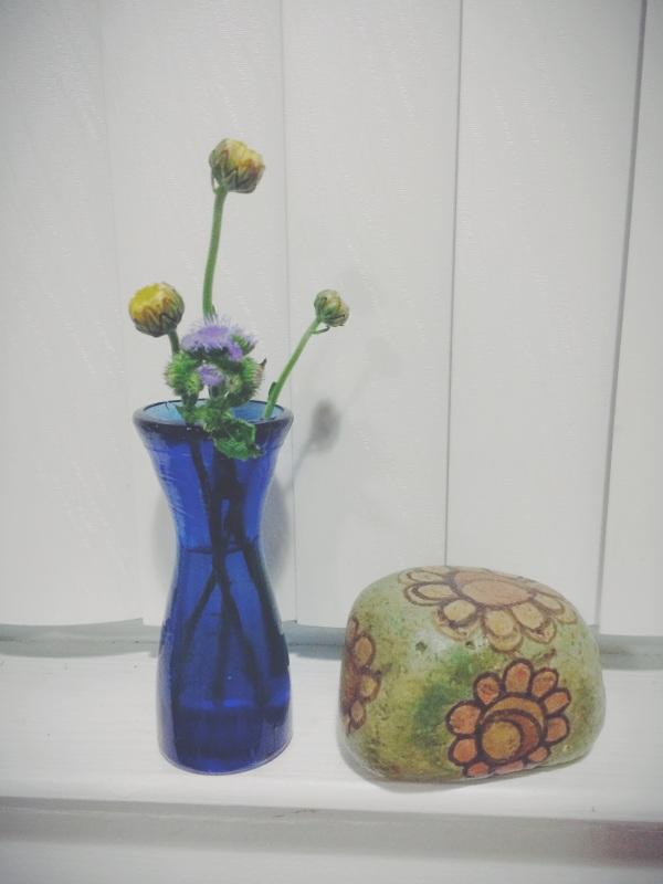 teeny tiny blue glass vases